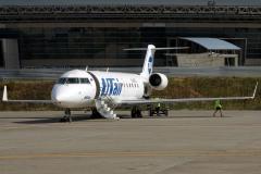 vq-bgl-utair-aviation-canadair-crj-200_2