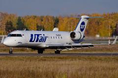 vq-bgt-utair-aviation-canadair-crj-200_2
