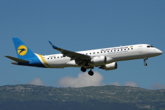ur-eme-ukraine-international-airlines-embraer-erj-190_2-jpg