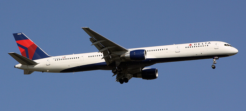 N588NW-Delta-Air-Lines-Boeing-757-300