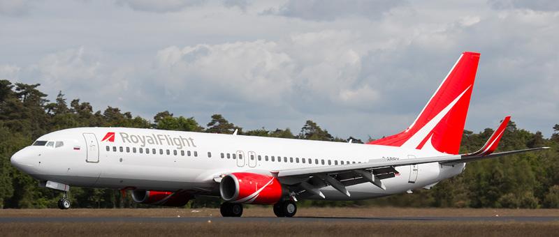 Boeing 737-808