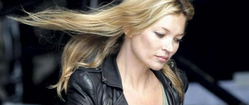 Кейт Мосс выгнали из самолета за дебош