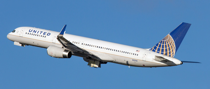 n12114-united-airlines-boeing-757-224wl